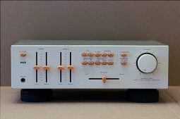 L&G INTEGRATED AMP BY LUXMAN