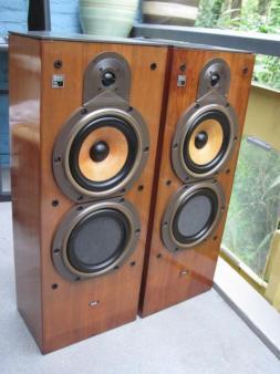 B&W DM2000