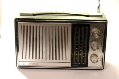 Nautilus Transistor radio Model PT310